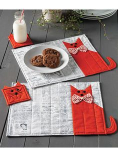 What's New - Quilting - Cat Chow Place Mat & Coaster Set Quilt Pattern Easy Sewing Projects, Sewing Projects For Beginners, Quilting Projects, Sewing Crafts, Cat Quilt Patterns, Mug Rug Patterns, Canvas Patterns, Table Runner And Placemats, Table Runners