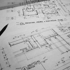 War begins on my desk. 💣✏✒📐#classic #interiordesign #interiorsketch #ceilingplan #section #drawing #arquitetapage #arquisemteta #papodearquiteto #arq_sketch #arch_more #arch_sketch #interiorstudent #creativempire #tamainteriordesign #tamasketch