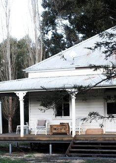 Australian Country Houses, Australian Homes, Australian Architecture, Weatherboard House, Queenslander, Farmhouse Plans, Modern Farmhouse, Cottage Exterior, My House