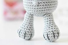 Amigurumi meraklı kedi ayaklar