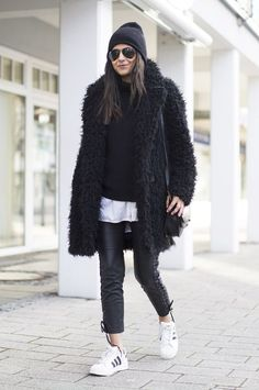 back teddy coat with all black outfit and sneakers #wintercoat #teddycoat