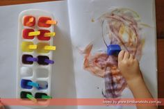 Ice Painting | Brisbane Kids Ice play for kids that will amuse them. Use with early literacy ideas. #iceplay #painting #sensory