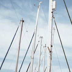 Mast stand tall
