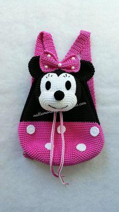 En Nylon souple Minnie Mouse crochet cadeau sac à dos que n'importe quel enfant va adorer, c'est un cadeau très utile pour votre amour, parfait pour toutes les saisons de l'année ou vacances en voyage. La tête de souris de minnie est le rabat du sac à dos, sac à dos spacieux peut contenir des enfants -Cest un cadeau parfait pour toutes les filles, cadeau danniversaire, cadeau de Noël, cadeau de fête des mères, quelquun que vous aimez ! -Jai pris cette photo moi même. Ces sacs sont de la…