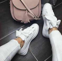 """""""Mi piace"""": 20, commenti: 1 - -fashion -beauty -lifestyle (@_f_a_s_h_i_o_n__p_h_o_t_o_s) su Instagram: """"white shoes❤👌 comment what you think about this pic💓  like for more  instagood #nofilter…"""""""