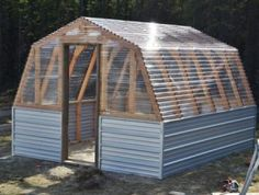 how to build a Barn Greenhouse