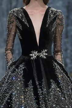 If another royal person is still alive when I'm queen and they want to visit me, I'll intimidate them in this.
