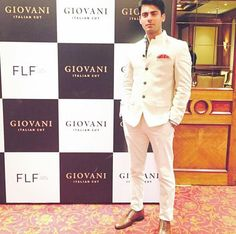 Fawad Khan pictures before his press conference with Giovani at Taj. Fawad is the face of the brand Mens Wedding Wear Indian, Mens Indian Wear, Wedding Dresses Men Indian, Wedding Outfits For Groom, Indian Groom Wear, Wedding Dress Men, Indian Men Fashion, Wedding Men, Men's Wedding Wear