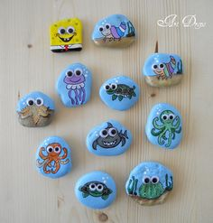 Art Drops: In the vastness of the sea Stone Crafts, Rock Crafts, Diy Arts And Crafts, Pebble Painting, Pebble Art, Stone Painting, Rock Painting Patterns, Rock Painting Designs, Craft Work For Kids