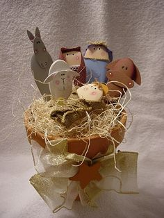 Wooden spoon Nativity. I saw this in a magazine years ago and have been looking for it since!!!