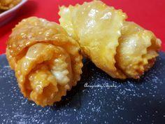 Amigos na Cozinha: Filhós enroladas com mel Frito Recipe, Christmas Desserts, Cauliflower, Macaroni And Cheese, Food And Drink, Vegetables, Cake, Ethnic Recipes, Blog