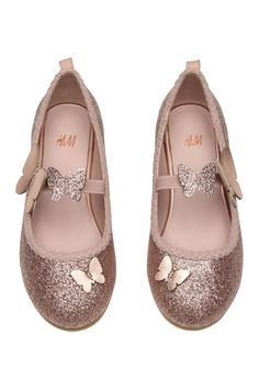 H&M Ballet Flats - Powder pink/glitter - Kids Baby Girl Sandals, Kids Sandals, Baby Girl Shoes, Girls Shoes, Shoes Women, Zapatos Shoes, H&m Shoes, Toddler Girl Outfits, Kids Outfits