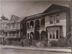 Buying History: Homes with Ties to the American Civil War - Charleston, SC Miss South Carolina, Charleston South Carolina, Historical Pictures, Historical Sites, Historic Charleston Sc, Unique Buildings, America Civil War, Civil War Photos, Old Pictures