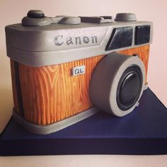 Vintage Camera cake - Cake by The Chocolate Bakehouse