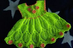 Beautiful and nice bright dress for a little girl. Free and simple patterns to crochet bright dress for a little lady Baby Girl Crochet, Crochet Baby Clothes, Crochet For Kids, Free Crochet, Little Girl Dresses, Girls Dresses, Crochet Skirt Pattern, Crochet Patterns, Knitting Patterns