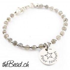 Geschenkidee Onxy und Silberperlen Armband mit Gravur Anhänger ♥ Schmuck  online kaufen Bracelets, Silver, Jewelry, Silver Pendants, Chain, Gifts, Jewels, Schmuck, Jewerly