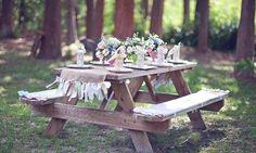 Decoração mesa festa de casamento ao ar livre