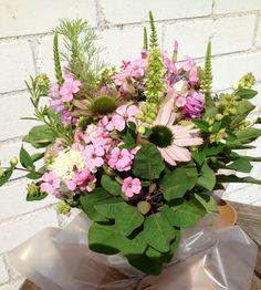 Pastel bridesmaid's bouquet