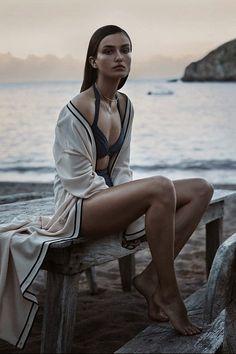 VISUELLE: Andreea Diaconu by Josh Olins for WSJ Magazine [Editorial]
