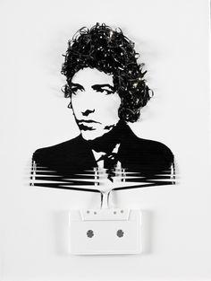 Un retrato hecho con cinta de cassete