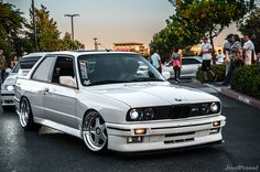 clean BMW M3 e30 proper ride height.
