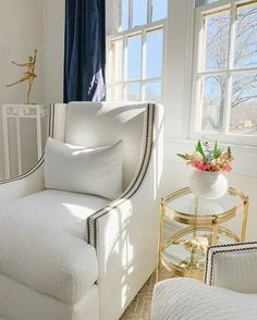 Sunday Status: sun-dappled seats with Pretty little view featuring the Lindsay Swivel Chair. White Fabrics, Swivel Chair, Pretty Little, Vintage Photos, Accent Chairs, Living Room, Sunday, Furniture, Home Decor
