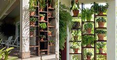 Um jardim vertical criativo na entrada da casa   <i>Crédito: Lê Murata