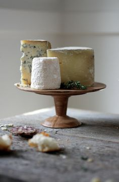 cheese plate - love the wooden spool plate!