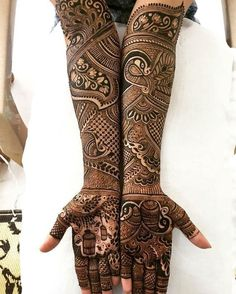 The Royal Desi Bride These henna or Pakistani mehndi designs are perfect for all the 'shashi' out there. All the brides waiting t. Henna Hand Designs, Mehandi Designs, Wedding Henna Designs, Indian Henna Designs, Latest Bridal Mehndi Designs, Legs Mehndi Design, Full Hand Mehndi Designs, Mehndi Designs 2018, Mehndi Design Pictures