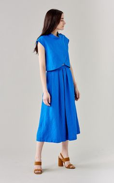 How to Wear Linen Without Looking Like A Sack. Rachel Comey Phelan top, $299; and Wayward pant, $391