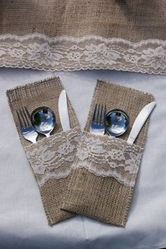 Burlap and lace table runner by Littlewhiteboutique on Etsy Burlap Projects, Burlap Crafts, Diy And Crafts, Sewing Projects, Arts And Crafts, Decoration Shabby, Cutlery Holder, Burlap Silverware Holder, Burlap Table Runners