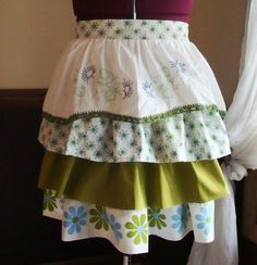 I love the idea of recycling things and giving something new life. This apron is made from old pillowcases!