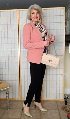 Add a blush tone jacket and a complementary scarf along with nude heels and a more structured chain detail handbag. Sixties Fashion, 50 Fashion, Plus Size Fashion, Fashion Outfits, Spring Fashion, Cheap Fashion, Fashion Trends, Fashion Women, Fashion Stores