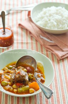Rabo encendido (Spicy ox-tail stew)