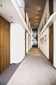 하늘마음 한의원 인테리어 Garage Doors, Stairs, Interior, Outdoor Decor, Room, Furniture, Korea, Design, Home Decor