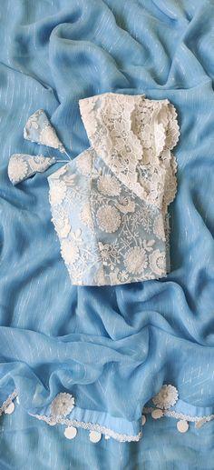 Saree Blouse Neck Designs, Fancy Blouse Designs, Bridal Blouse Designs, Designs For Dresses, Blouse Patterns, Blouse Designs Catalogue, Stylish Blouse Design, Outfits, Lehenga