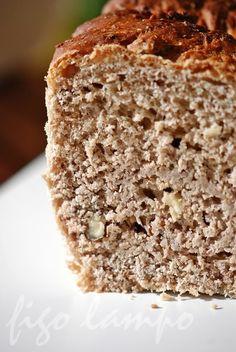 Pão de aveia com canela e nozes