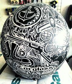 Helm bukan hanya untuk keselematan berkendara tetapi bisa juga utk bergaya agar tampil lebih keren. art helmed konsep military
