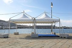 Bạt Sioen là thương hiệu vải bạt số 1 tại Bỉ với đa dạng kích thước, màu sắc, thời gian sử dụng cho dòng vải bạt này là 5-15 năm. Vải bạt này được ứng dụng trong nhiều công trình như mái che bạt căng, mái che kiến trúc, mái vòm, bạt che phủ…Khả năng chống nước và tia UV lên tới 100% vì vậy bạt có thể sử dụng tại các bãi biển Resort, Khách sạn, Nhà hàng, công trình kiến trúc đòi hỏi thiết kế đặc biệt… Màu sắc đa dạng – với 2 dòng là FR (chống […]