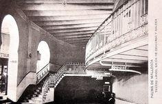 El antiguo Teatro Lírico de Palma. Salón de descanso, escalera y galería de entrada a los palcos.