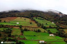 Siempre sorprende la belleza de los paisajes del valle de Baztán #Navarra -> http://www.turismo.navarra.es/esp/organice-viaje/recurso/Patrimonio/3066/Valle-de-Baztan.htm