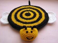 Ideas crochet cat coasters pot holders for 2019 Crochet Baby Cocoon, Crochet Bee, Crochet Cat Pattern, Crochet Motif, Crochet Crafts, Easy Crochet, Crochet Toys, Crochet Projects, Crochet Patterns
