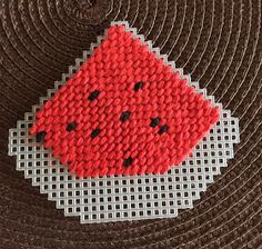 Canvas Plasticas | Mis Creaciones - Micreaciones.net Plastic Canvas Coasters, Plastic Canvas Crafts, Plastic Canvas Patterns, Craft Sale, Tissue Boxes, Homemade Gifts, Needlepoint, Hand Knitting, Projects To Try