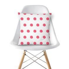 Compre Poá de Tricoteira de @tricopap em almofadas de alta qualidade. Incentive artistas independentes, encontre produtos exclusivos.