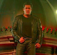 Salman khan -Race 3 Race 3 Salman Khan, Movie Teaser, Tiger, Bollywood Actors, Every Girl, Big Big, Guys, Life Quotes, Movies