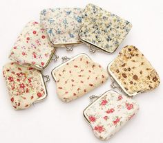 1.49$ (More info here: http://www.daitingtoday.com/small-broken-flower-hasp-coin-purse-women-lady-female-cotton-fabric-mini-wallet-key-pouch-gift-change-purse-wedding-candy-bag ) Small broken flower Hasp Coin Purse Women Lady Female Cotton fabric mini Wallet Key Pouch Gift change purse Wedding candy bag for just 1.49$