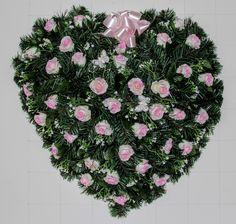 dfa314a3e Veniec srdce S16 Smútočný veniec o rozmere 60cm. V tvare srdca. Donáška  vencov denne