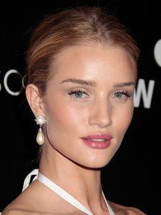Rosie Huntington-Whiteley's Rosy Lips, flirty eyelashes and middle-part updo