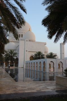 Sheikh Zayed Moschee - New Ideas Byzantine Architecture, Mosque Architecture, Architecture Design, Architecture Sketches, Gothic Architecture, Ancient Architecture, Mecca Wallpaper, Islamic Wallpaper, Abu Dhabi