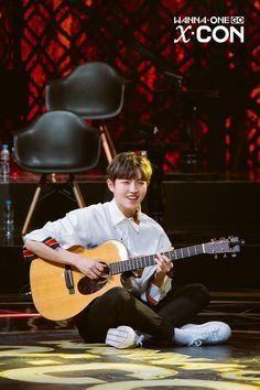 Wanna one Kim Jaehwan Jaehwan Wanna One, Guan Lin, Thing 1, Wattpad Stories, Ong Seongwoo, Lee Daehwi, Fans Cafe, My Destiny, Kim Jaehwan